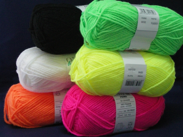 UV active wool 10x 50g range